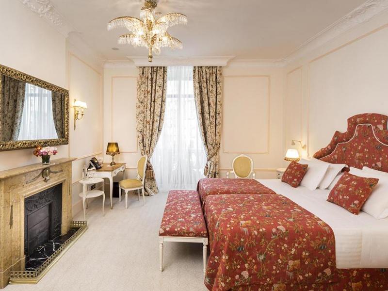 Josephine Baker Suite5