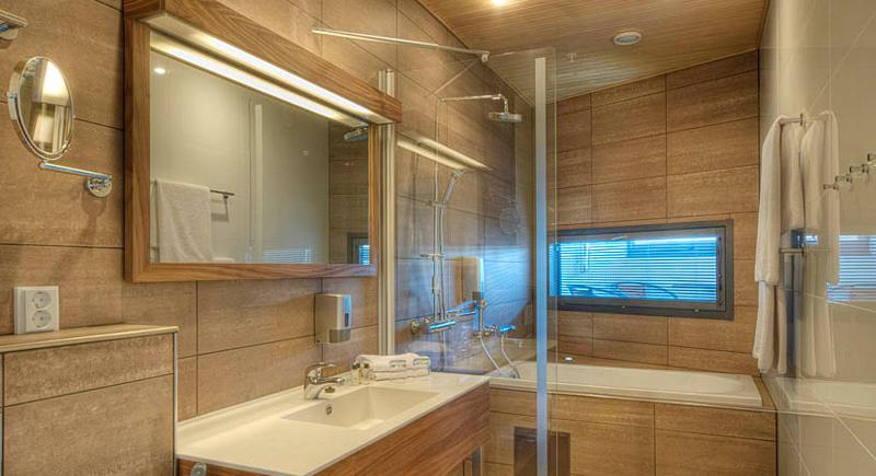 Jr Suite with bath tub4