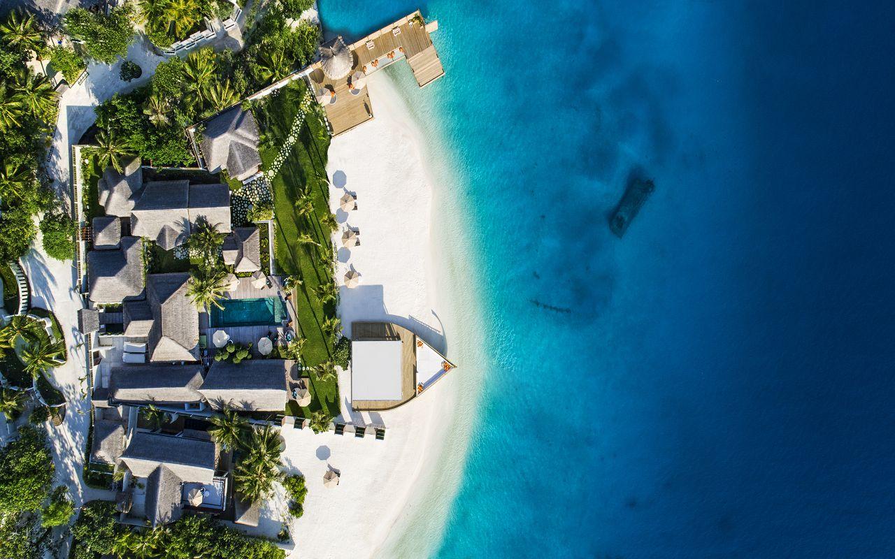 Jumeirah Vittaveli - Royal Residence - Aerial 02