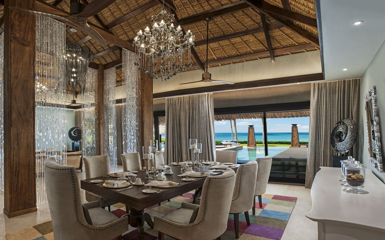 Jumeirah Vittaveli - Royal Residence - Dining Pavilion 01