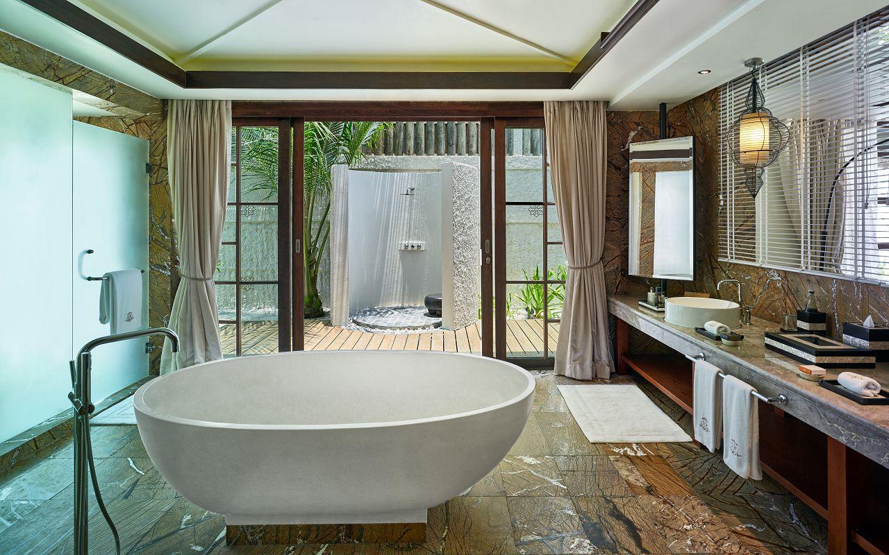 Jumeirah Vittaveli - Royal Residence - Guest House Bathroom