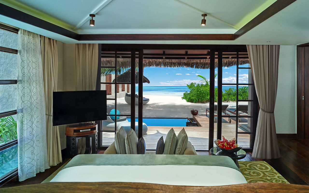 Jumeirah Vittaveli - Royal Residence - Guest House Master Bedroom