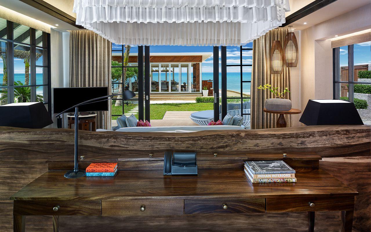 Jumeirah Vittaveli - Royal Residence - Guest Villa Kingbed 02