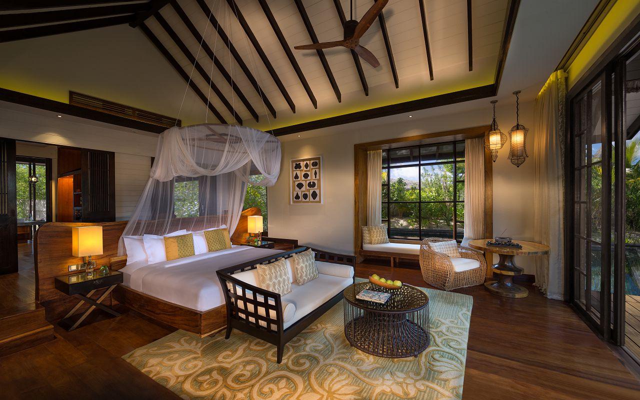 Jumeirah-Vittaveli_Beach-Villa-Bedroom