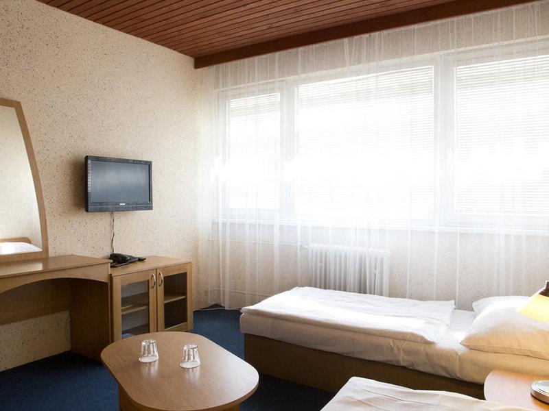 Junior Hotel (10)