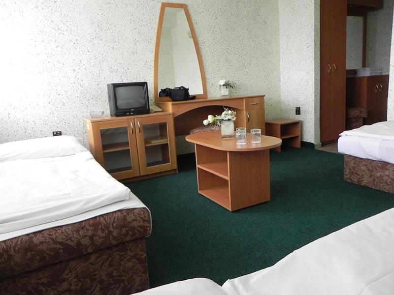 Junior Hotel (32)