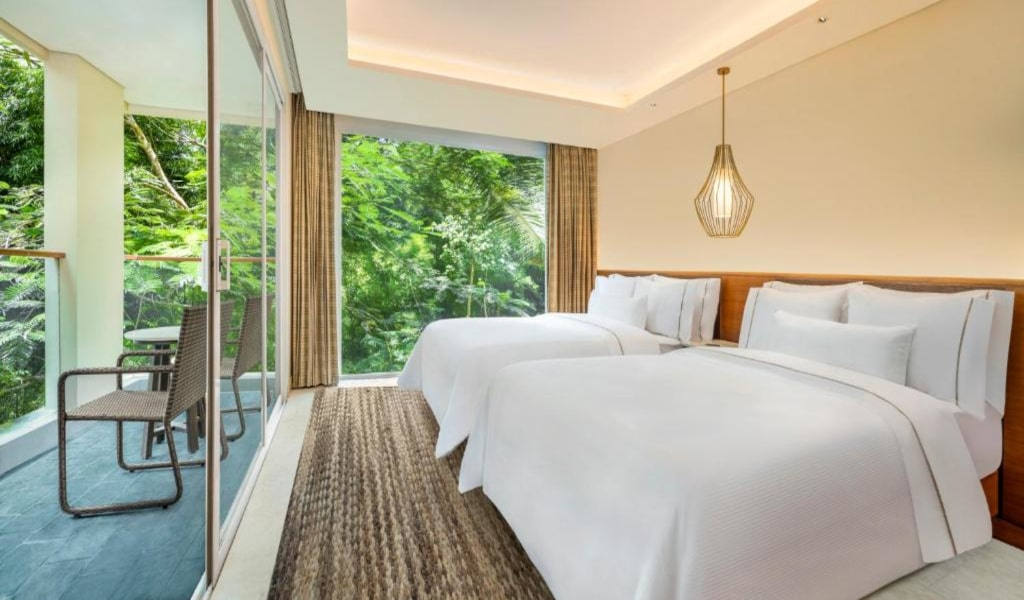 Junior Suite, 2 TwinSingle Bed(s), Garden view, Balcony View -min