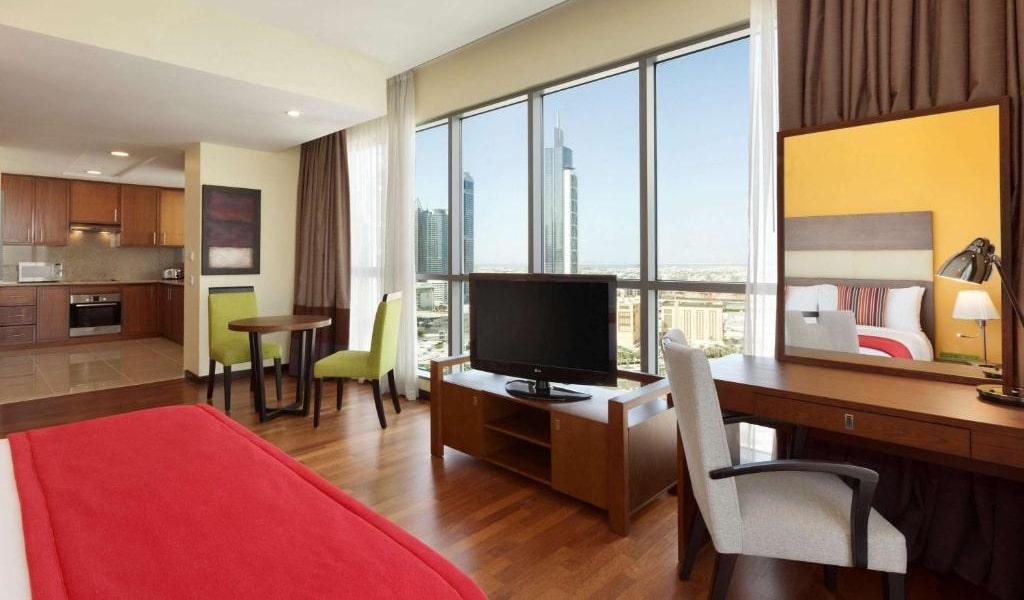 Junior Suite Burj Khalifa & Fountain View3-min