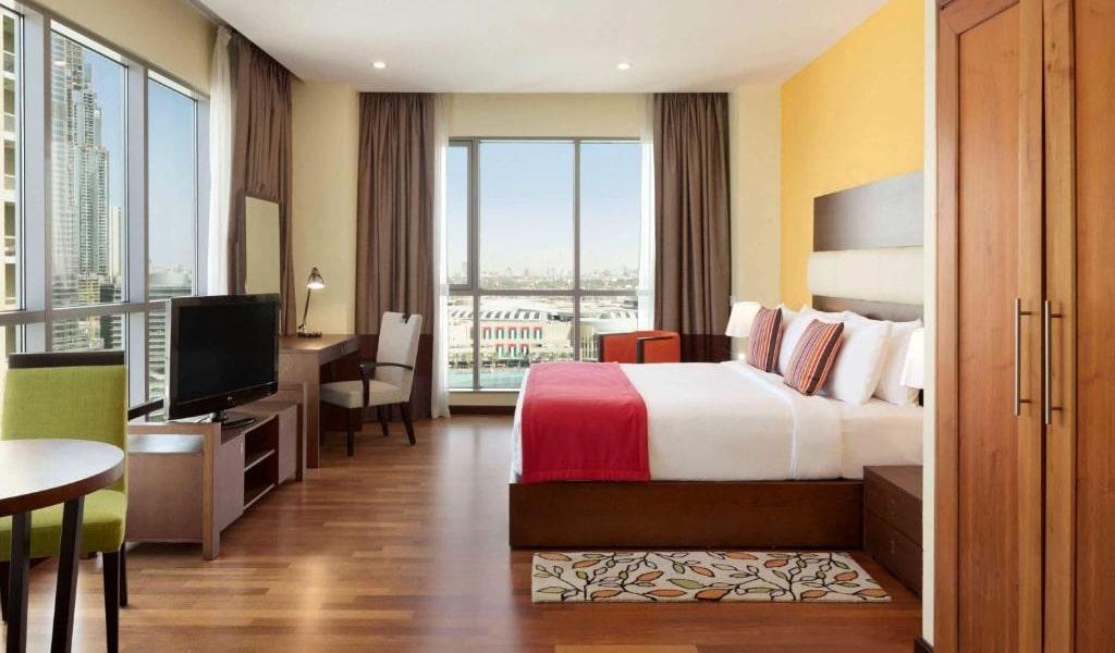 Junior Suite Burj Khalifa & Fountain View7-min