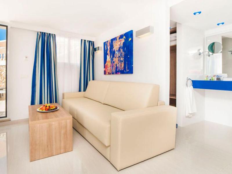 Junior Suite Room2