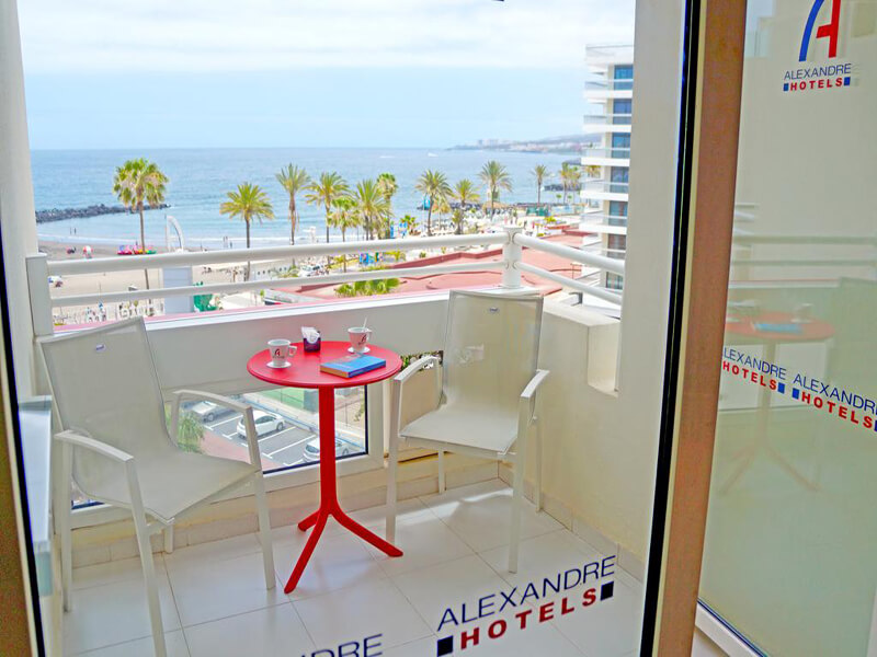 Junior Suite with Sea View4
