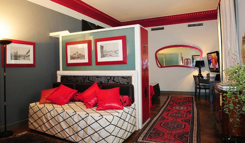 Junior-Suite-with-Spa-Access-2-min