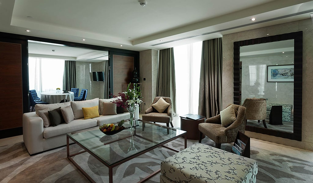 King-Suite2-min