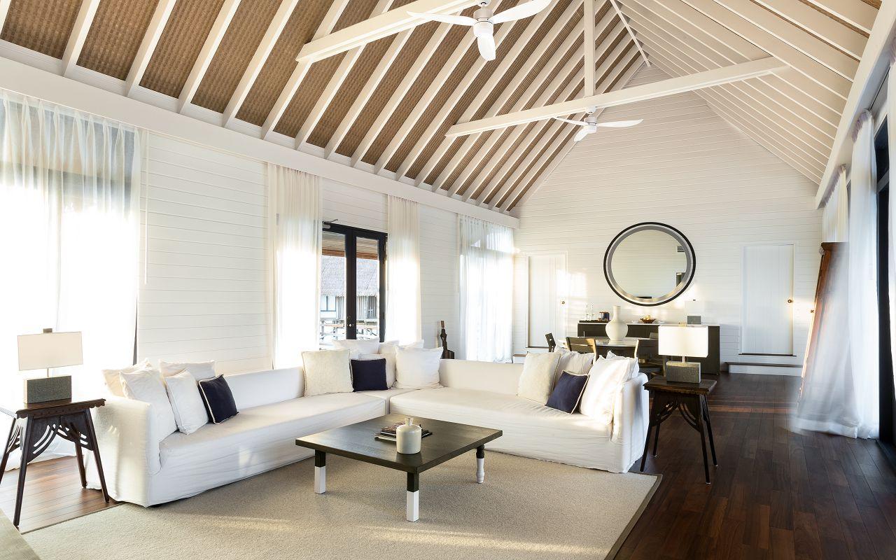 LS 20 COMO Water Villa_Living Room_Looking in