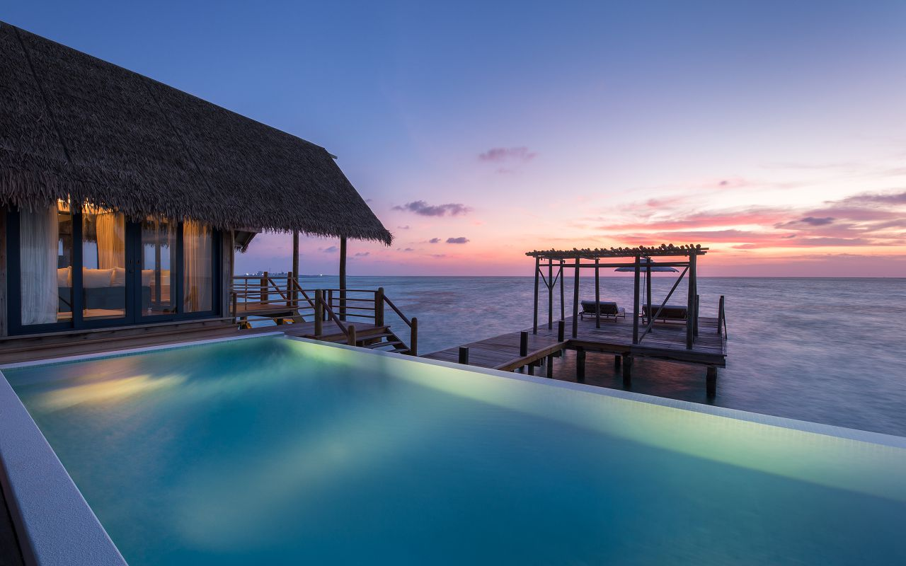 LS 20 COMO Water Villa_Private Pool and Sundeck_Sunset view