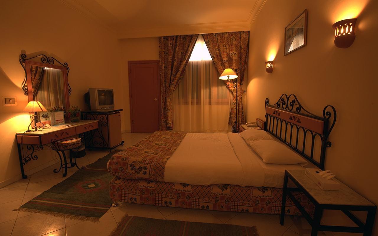 Le Pacha Resort_familyroom-min