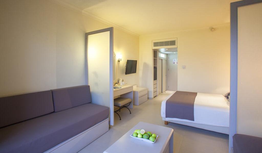 Louis Imperial Beach Hotel (30)