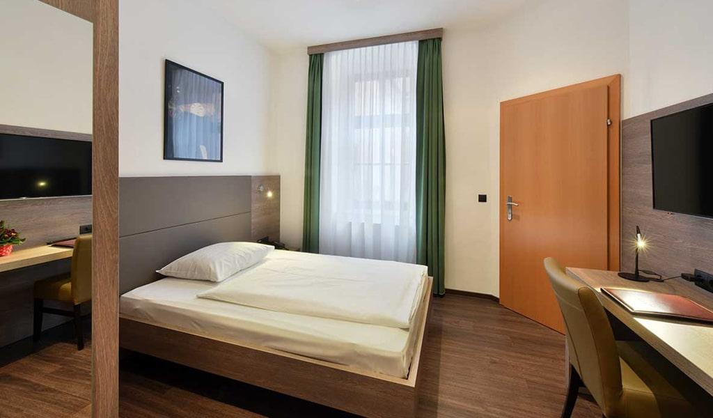 Lucia Hotel (11)