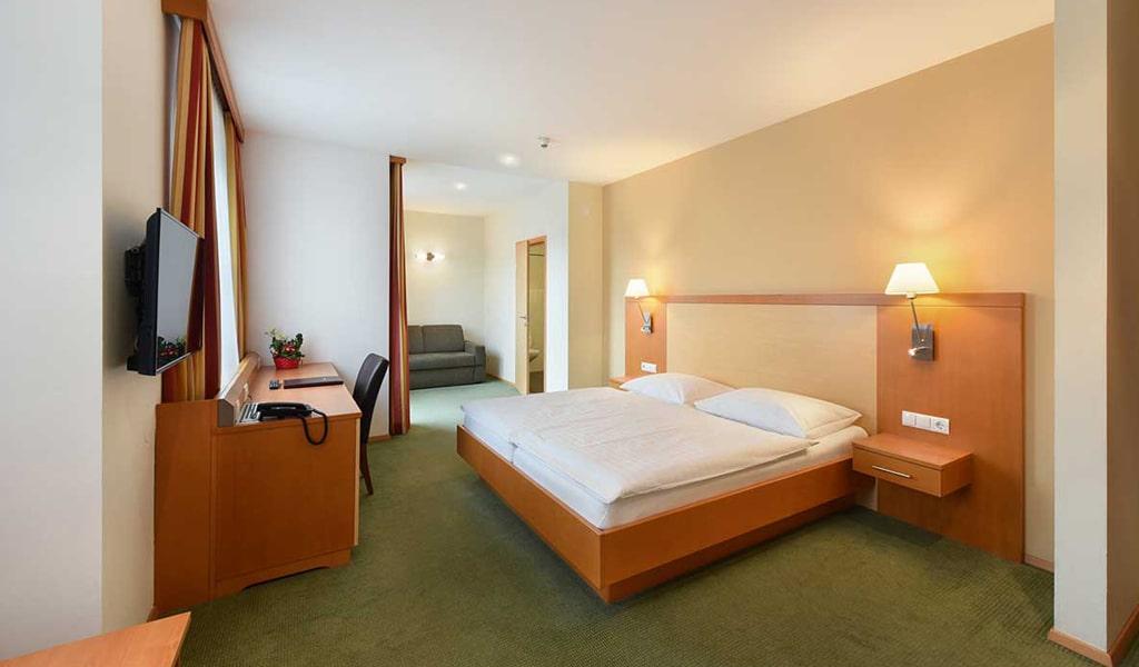 Lucia Hotel (3)