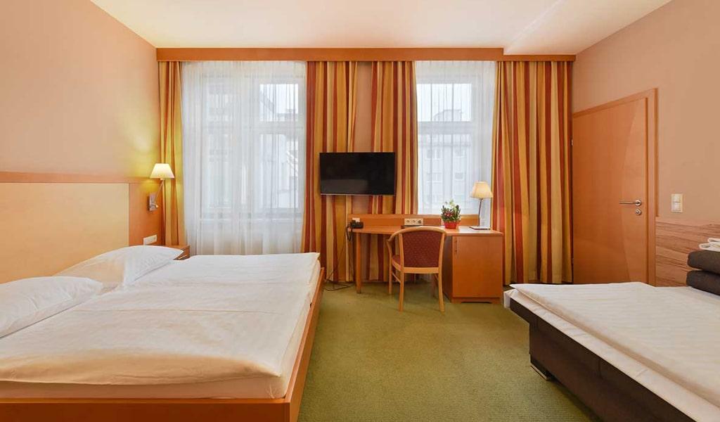 Lucia Hotel (6)