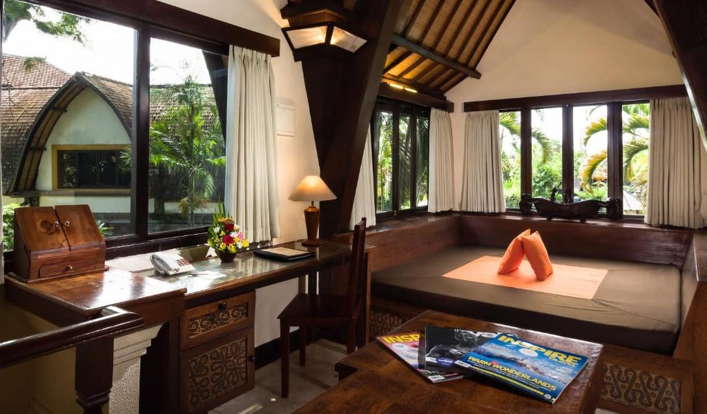 Lumbung-Deluxe-Double-Room-With-Extra-Bed-min