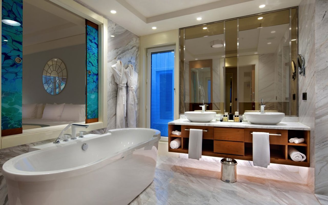 Luxary-Pool-Suite2-min