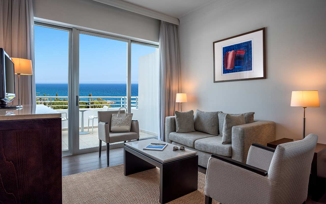 Luxury-Studio-Sea-View-Living-Room
