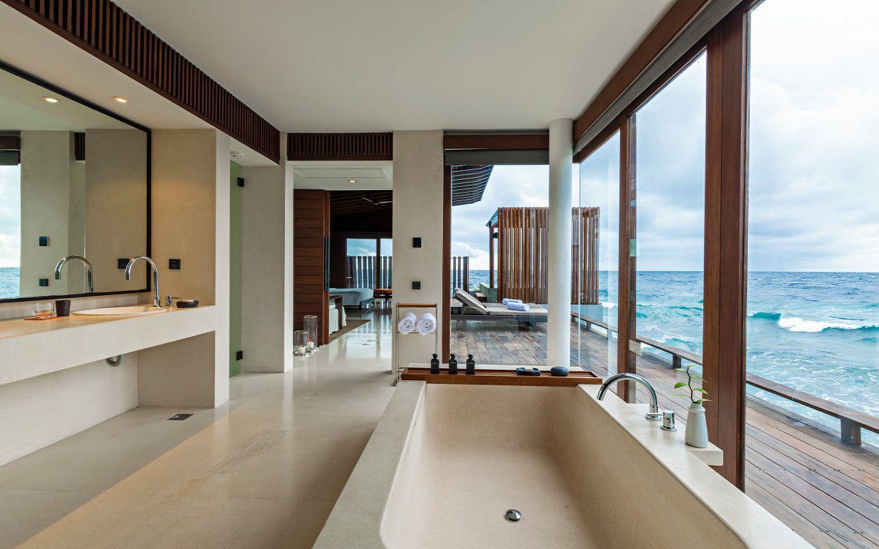 MLDPH_P323_Park_Sunset_Ocean_Pool_Villa_Bathroom Mid Res