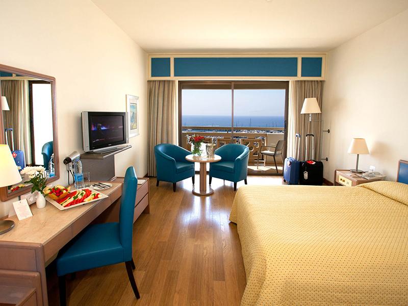 Marina View Room2