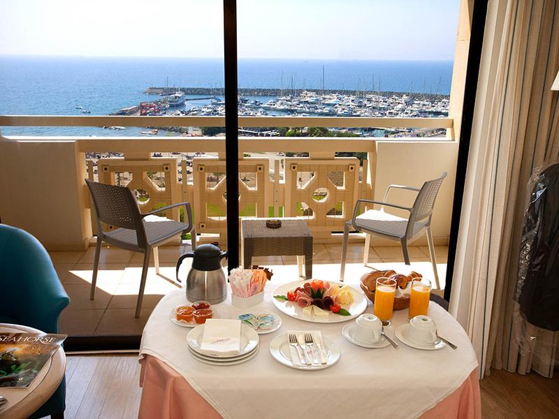 Marina View Room3