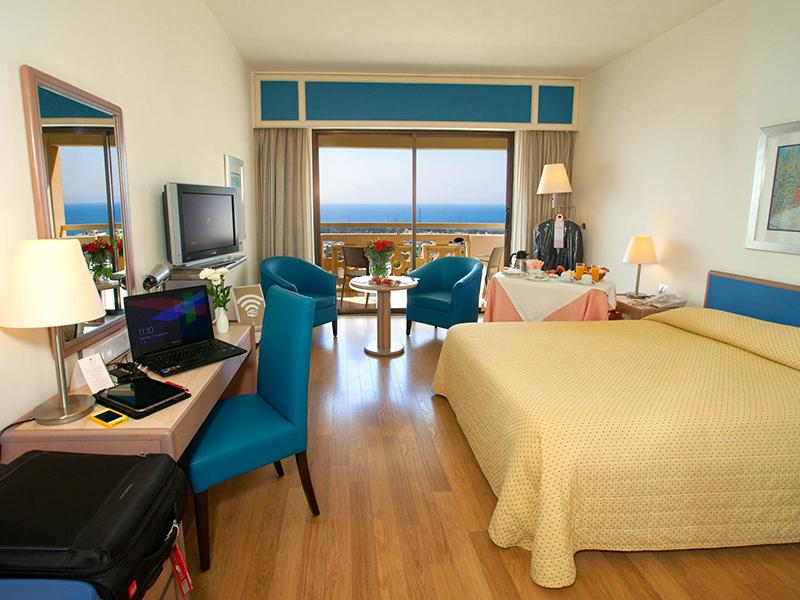 Marina View Room5
