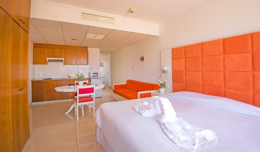Marlita Beach Hotel Apartments (1)