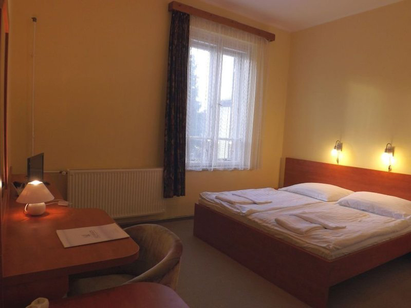 Medium double room