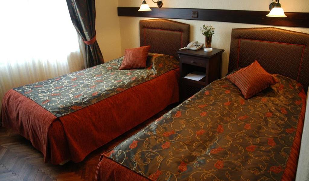 Megara Palace Hotel (2)