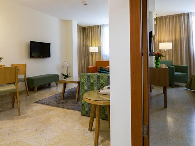Metropolitan Suites (1)