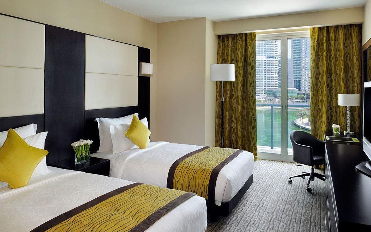 Movenpick Hotel Jumeirah Lakes Towers (4)
