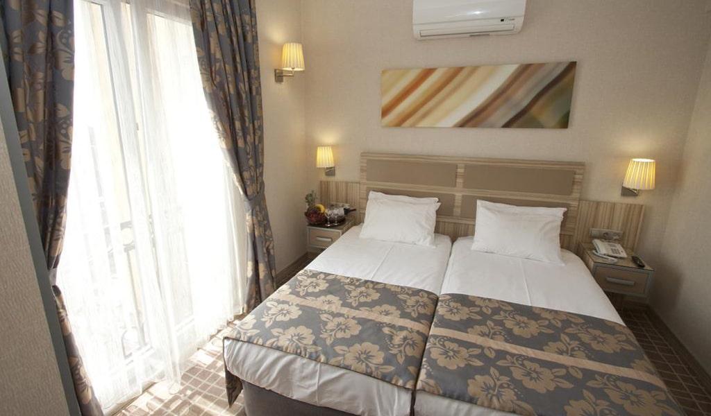 Nanda Hotel (3)