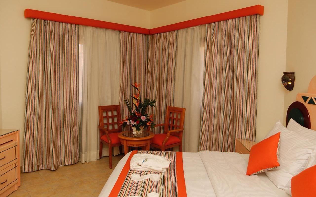 Nubian-Island_Bungalow-Room-(1)-min