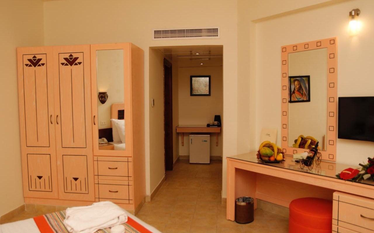 Nubian-Island_Bungalow-Room-(2)-min