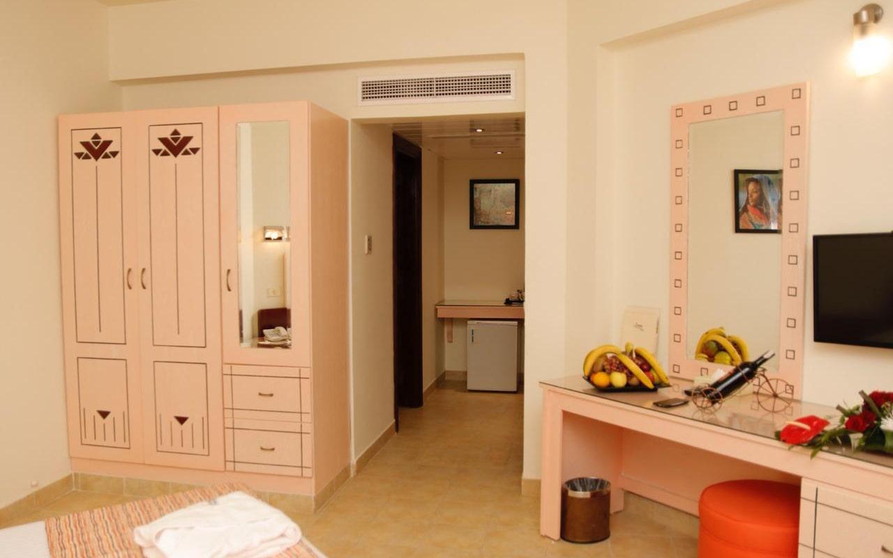 Nubian-Island_Family-Room-(2)-min