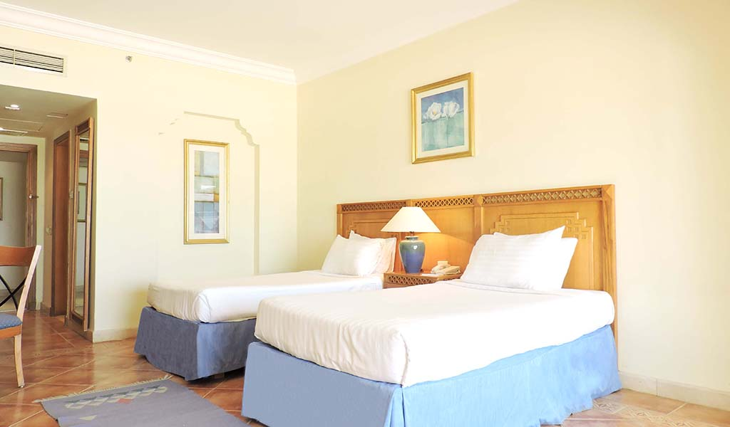 Old-Palace-Resort-Deluxe-Room-2-min