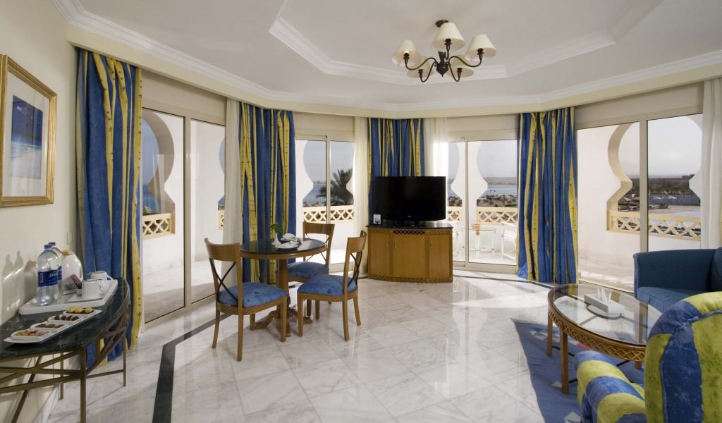 Old-Palace-Resort-Grand-Suite-3-1024x621-min