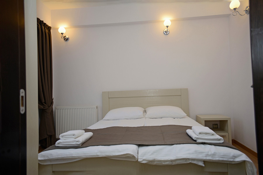 One-Bedroom Apartment1