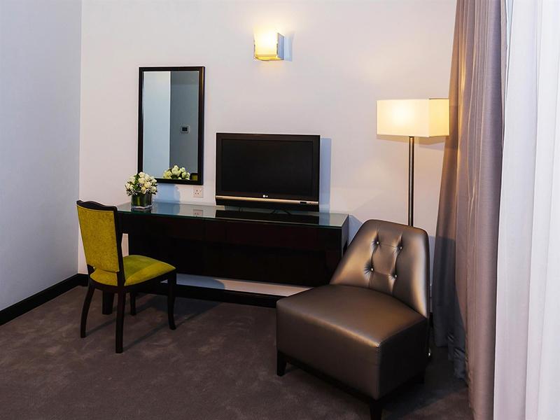 One Bedroom Apartment10