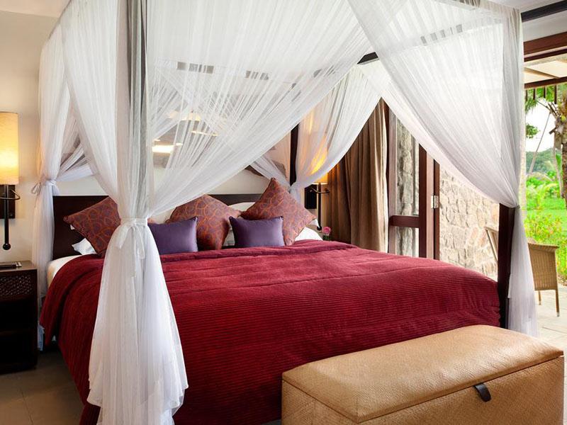 One Bedroom Sea View Garden Suite Bedroom