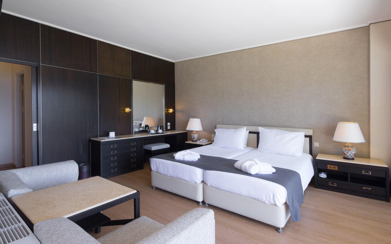 One Bedroom Suite 2-min