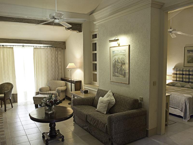 One Bedroom Suite Garden View Seating Area (2)