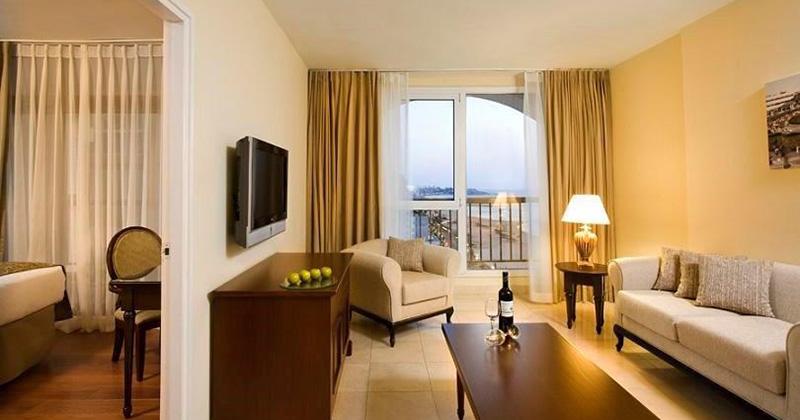 One Bedroom Suite – One Bed