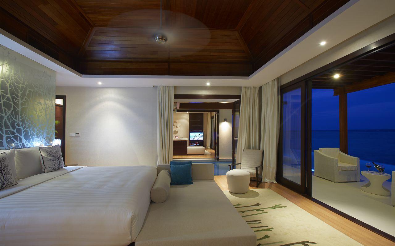 One Bedroom Water Pool Pavilion (2)