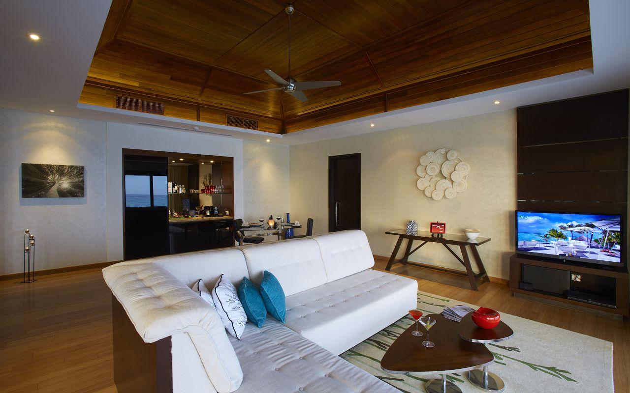 One Bedroom Water Pool Pavilion (3)
